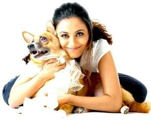 Rani Mukherjee Cool Look With A Dog Photo