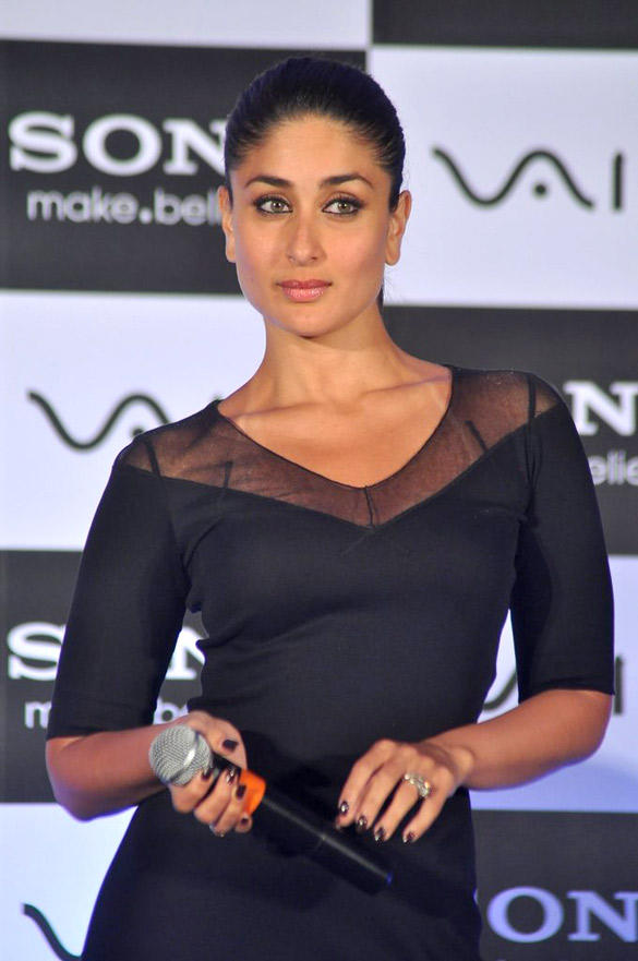 Brand Ambassador Kareena Looks Sexy at The Launch Of Sony Vaio Laptop