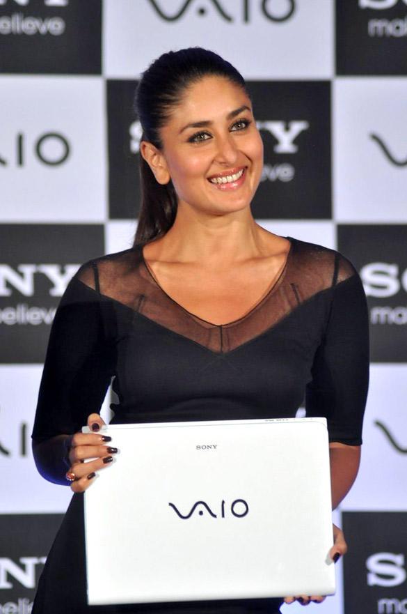 Sweet Kareena Kapoor Posing With The New Range of Sony Vaio Laptop