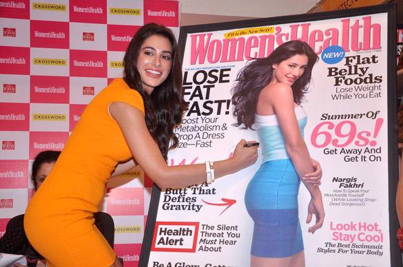 Nargis Fakhri Done Signature on The Magazine Board