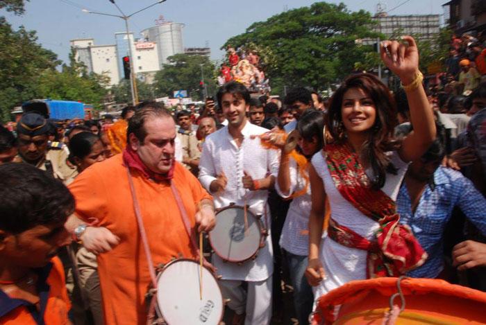 Priyanka And Ranbir On Procession At Street