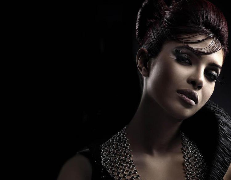 Priyanka Chopra Hot Look Wallpaper