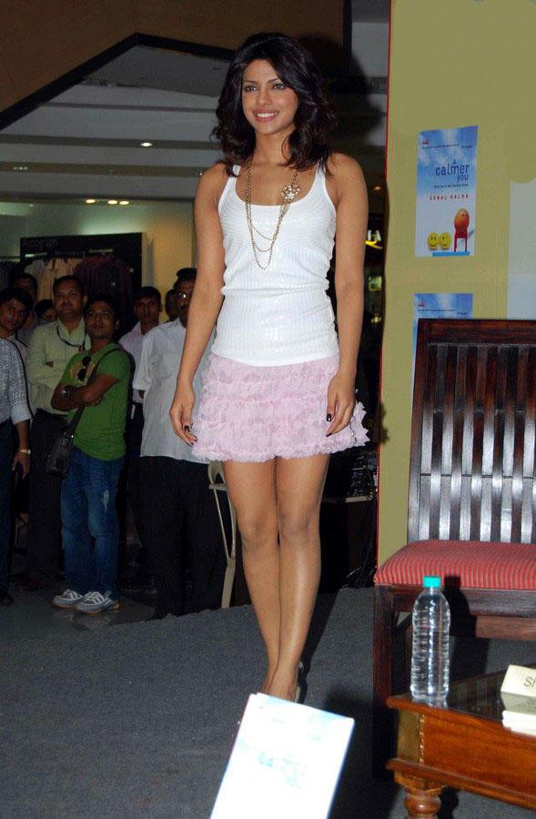 Priyanka Chopra Mini Skirt Glamour Look Stills