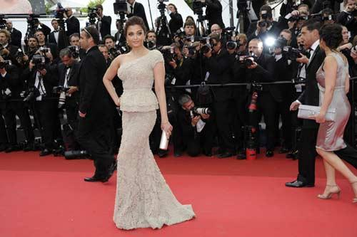 Aishwarya Rai Bachchan Amazing Pic On Red Carpet