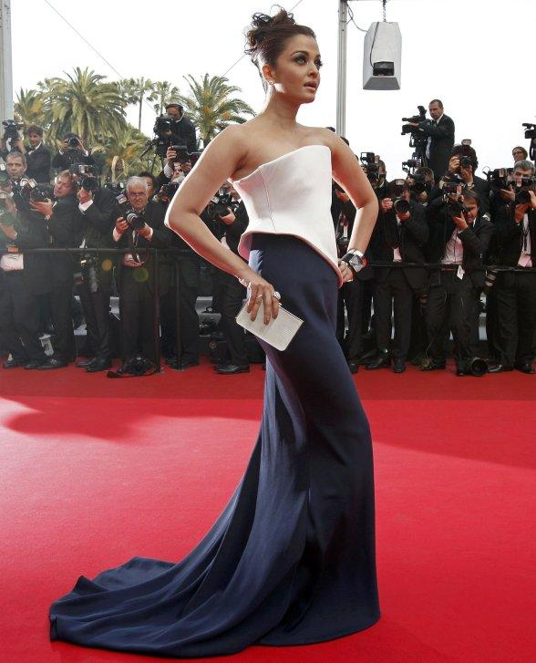 Aishwarya Rai Sexy Gown at Cannes