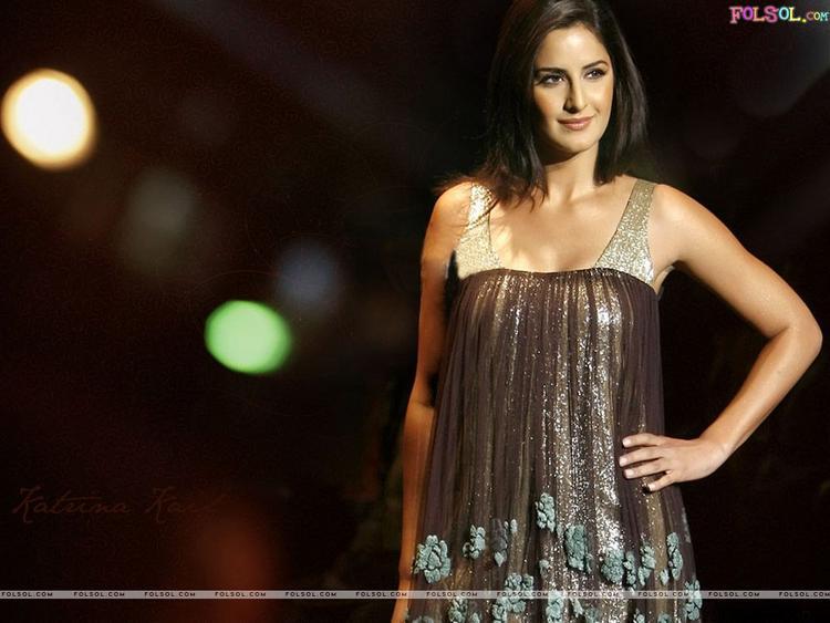 Stunning Katrina Kaif Hot Picture On Ramp