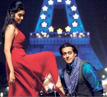 Asin and Salman In London Dreams