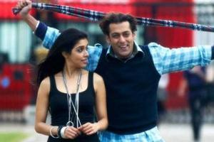 Salman and Asin latest Pic In London Dreams