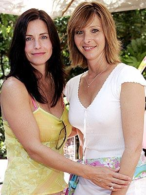 Courteney Cox and Lisa Kudrow Photo