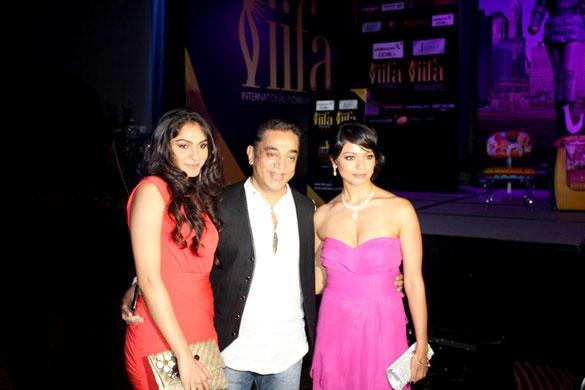 Pooja,Andrea and Kamal Hassan Latest Pic at IIFA 2012