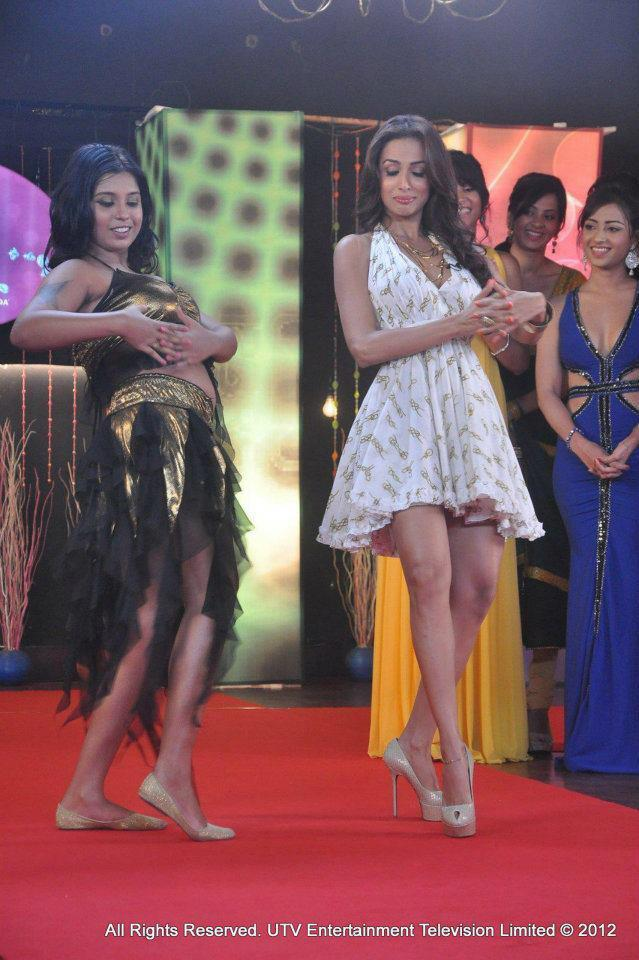 Malaika Arora Khan Dancing Pic on Lux The Chosen One Show