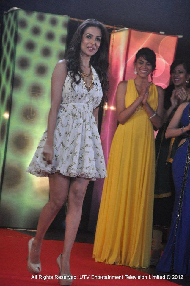 Malaika Arora Khan Sexy Legs Pic at Lux The Chosen One UTV Show