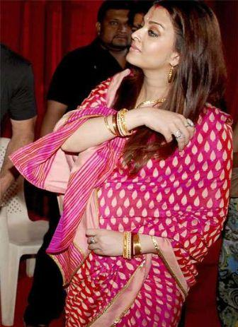 Pregnant Aishwarya Rai Photo In Saree