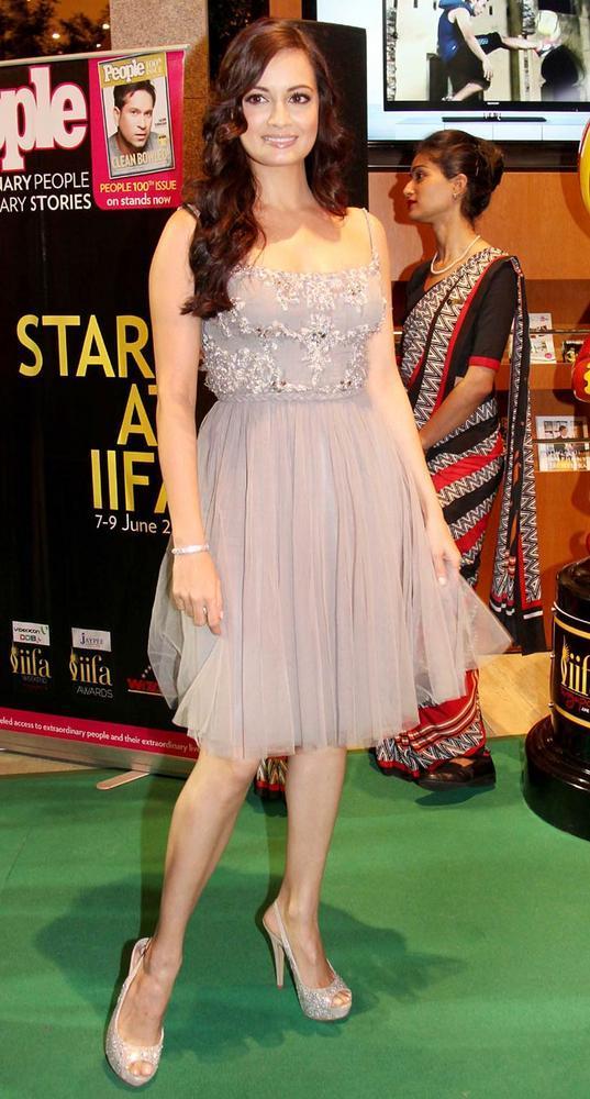 Hottie Dia Mirza at IIFA Rocks On Green Carpet