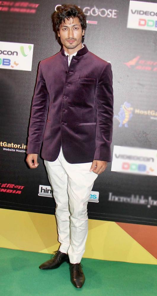 Vidyut Jamwal at IIFA Rocks On Green Carpet