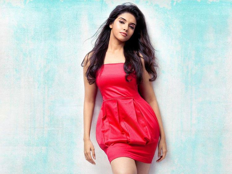 Latest Hot Sexy Pics of Asin