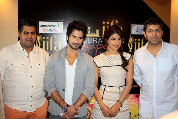 Shahid,Priyanka and Kunal Promote Teri Meri Kahaani at Singapore
