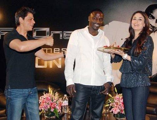 Srk and Kareena Latest Pic With Akon