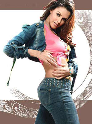 Neha Dhupia Spicy Belly Exposing Still