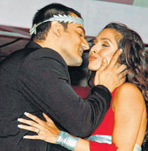 Malaika Arora and Arbaaz Kissing Pic