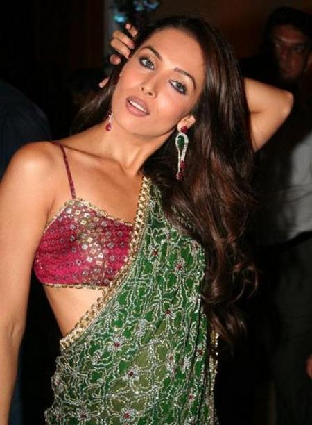 Malaika Arora Khan Sexy Saree Pic