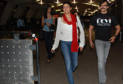 Vivek Oberoi and Sushmita Sen at the Mumbai Airport