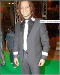 Vivek Oberoi Long Hair Style Pic At IIFA