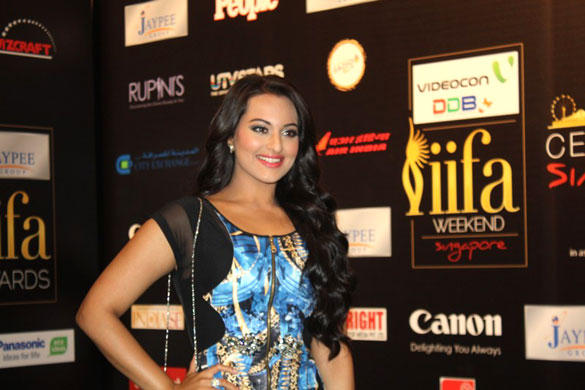 Hot Babe Sonakshi Sinha at IIFA Rocks Fashion Show Event 2012