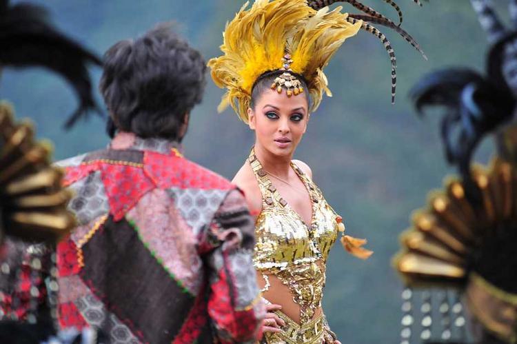 Aishwarya Rai Dance in Endhiran Movie