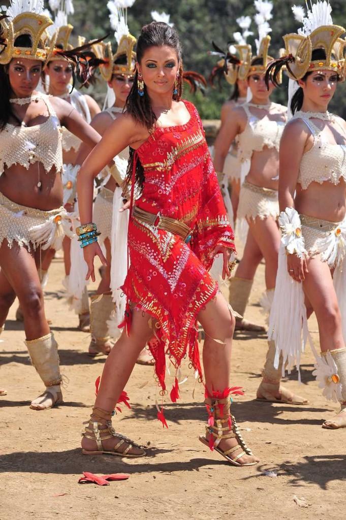 Aishwarya Rai in Endhiran Movie Dancing Pic