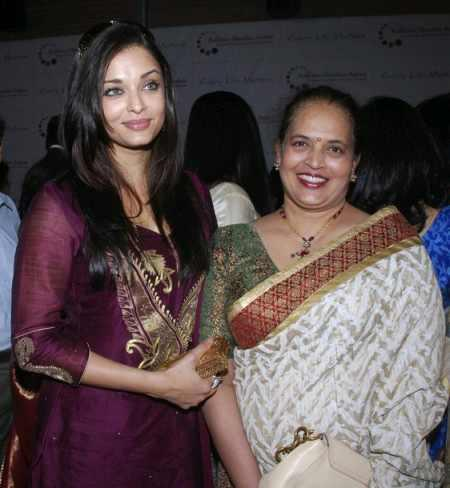Aishwarya Rai with Mom Vrinda Rai