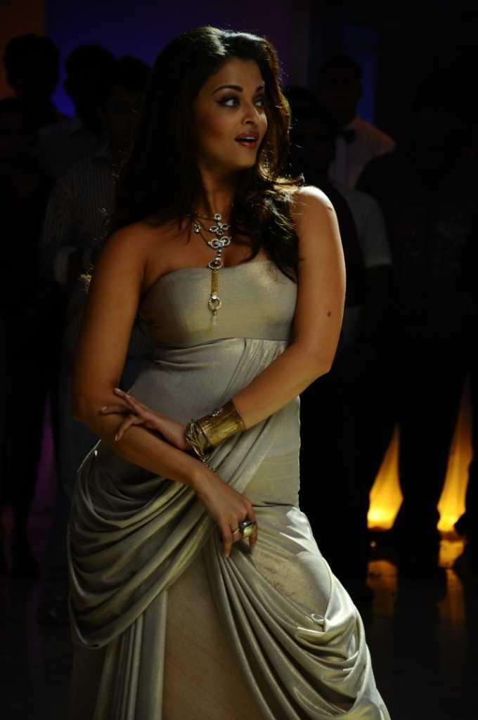 Aishwarya Rai Spicy Pic in Endhiran Movie