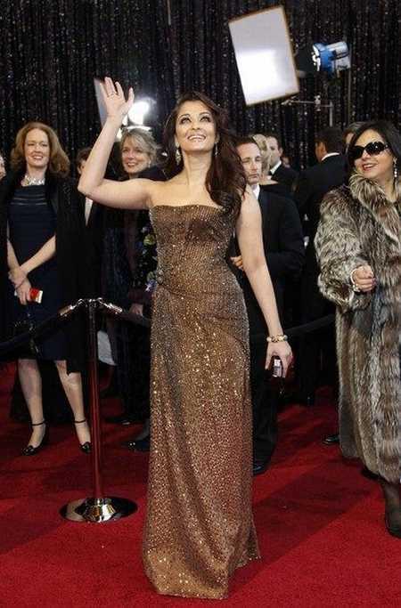 Aishwarya Rai In Strapless Gown at Oscars Awards
