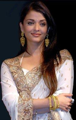 Aishwarya Rai In White Saree Nice Photo