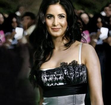 Katrina Kaif Attractive Glowing face Still