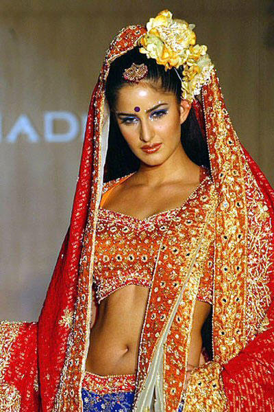 Katrina Kaif In Bridal Dress Glamour Pic