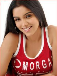 Asin Thottumkal Sizzling Sweet Photo