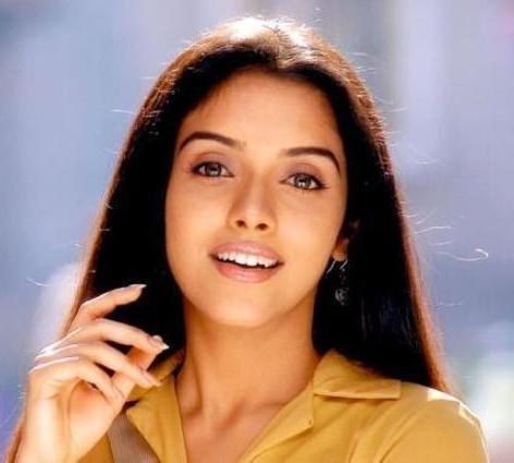 Asin Thottumkal Stunning Face Look Beauty Still