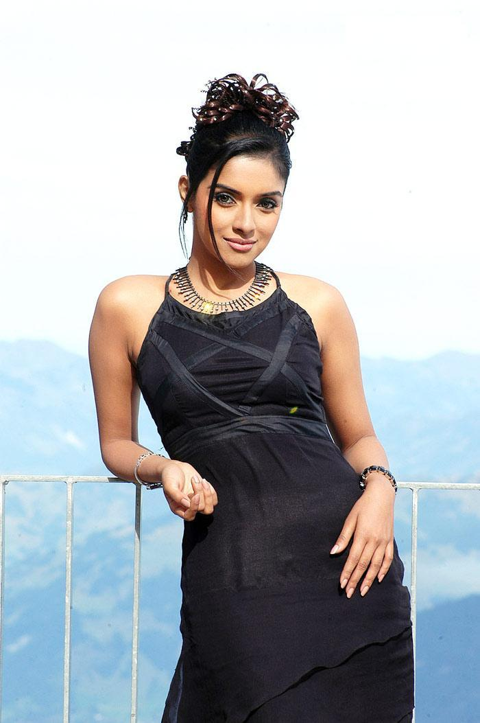 South Hot Actress Asin Stylist Photo