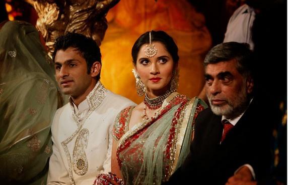 Sania Mirza Looking Beautiful Gorgeous In Saree
