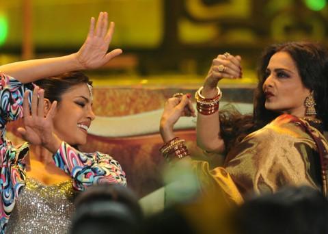 Priyanka and Rekha Performs at IIFA 2012 In Singapore