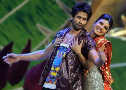 Shahid Also Dance with Priyanka For Upcoming Movie Teri Meri Kahaani