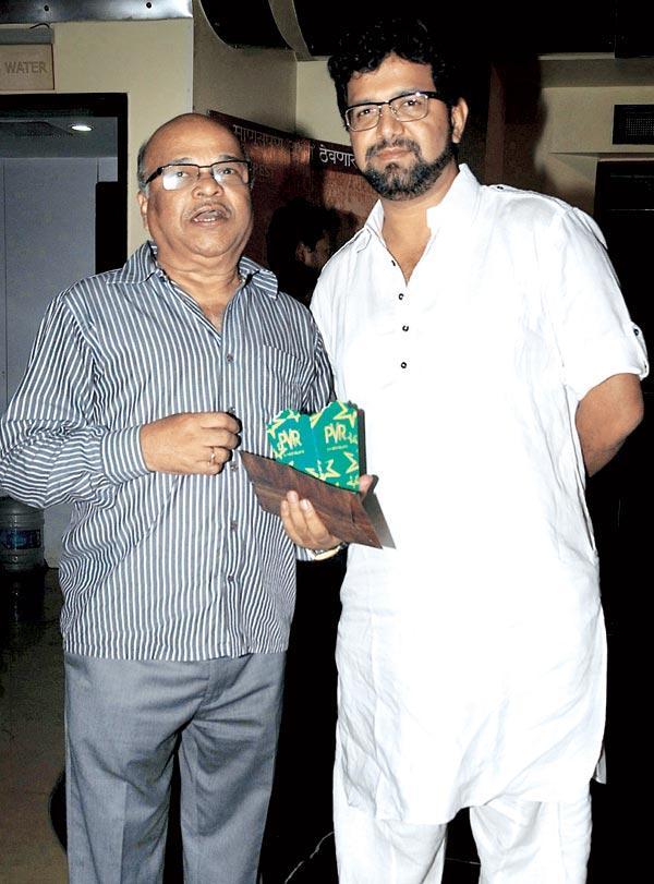 Ashok Patki and Avadhoot Gupte at The Premiere Of Tukaram
