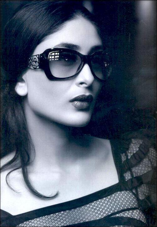 Kareena Kapoor Wet Romantic Face Still