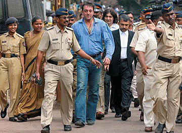 Sanjay Dutt at Mumbai Court