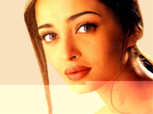 Aishwarya Rai Sizzling Face Beauty Still