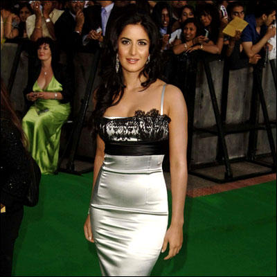 Katrina Kaif Hot Sexy Pic On Green Carpet