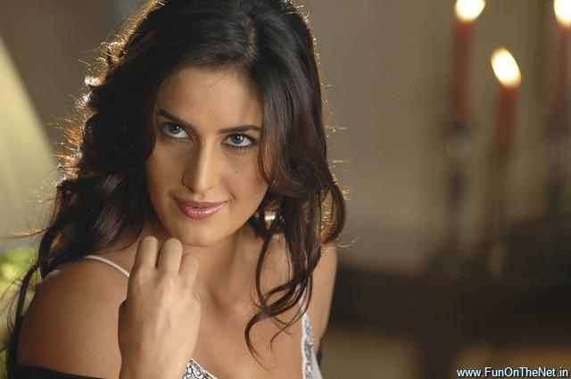 Katrina Kaif Romantic Look Pic