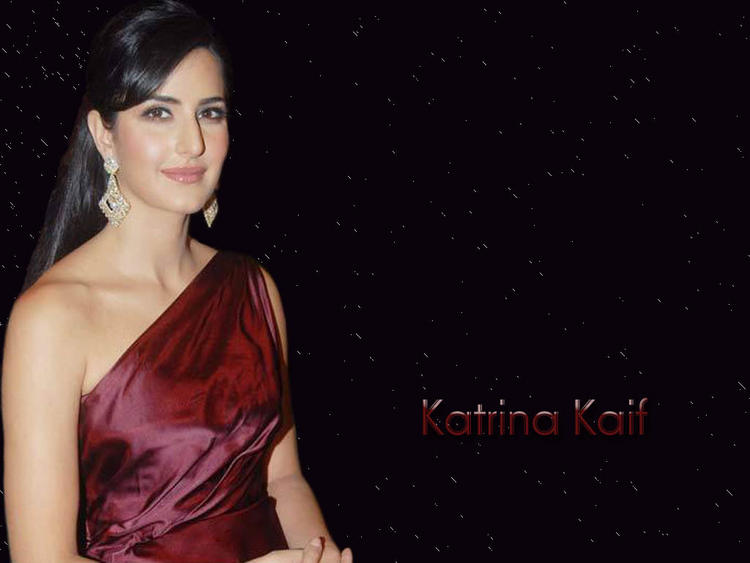 Katrina Kaif Shiny Face Look Beautiful Wallpaper