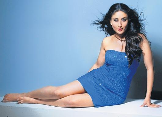 Kareena Kapoor Exposing Her Milky Sexy Things